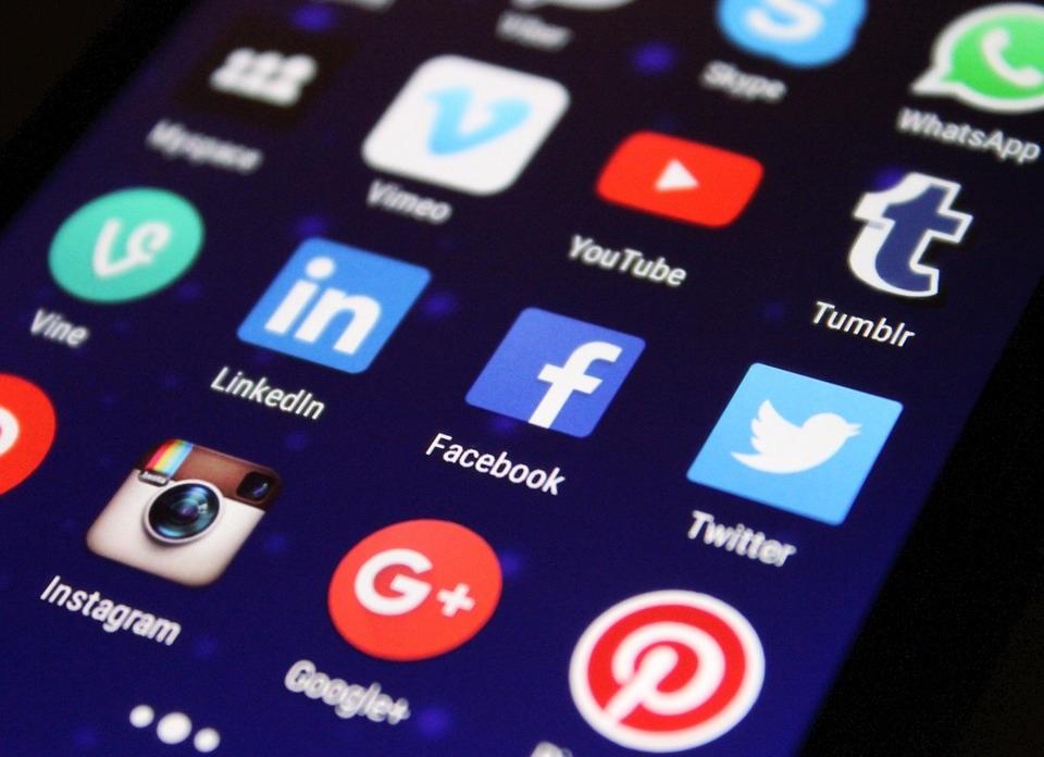 Increase Blog Traffic - Social Media